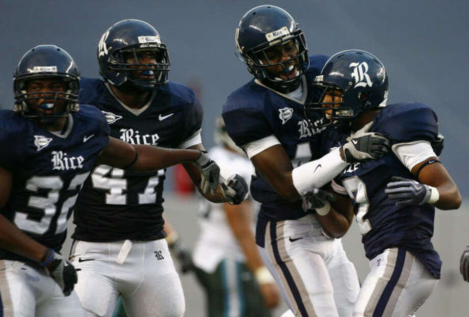 Rice cornerback Kevin Gaddis, right, played in all 12 games last season and made two starts. Photo: Nick De La Torre, Chronicle