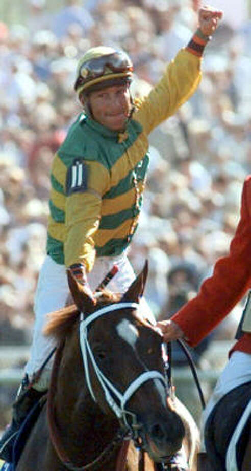 Chris Antley was one of many jockeys who have fought and still fight the body's urge to grow larger in one's 20s and 30s. Photo: ED REINKE, AP
