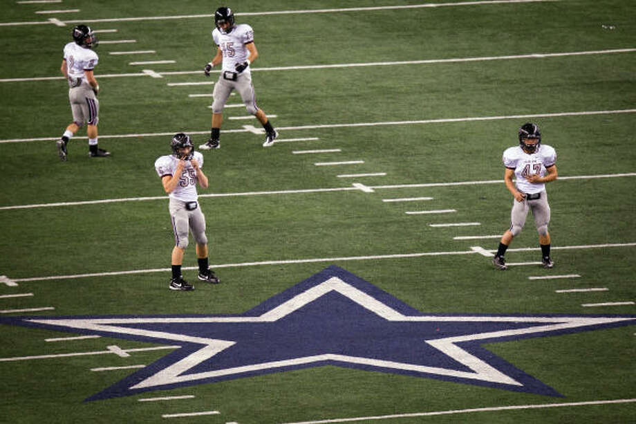 Pearland defeated Euless Trinity in the 2010 Class 5A Div. I state championship game at Cowboys Stadium. Photo: Smiley N. Pool, Chronicle