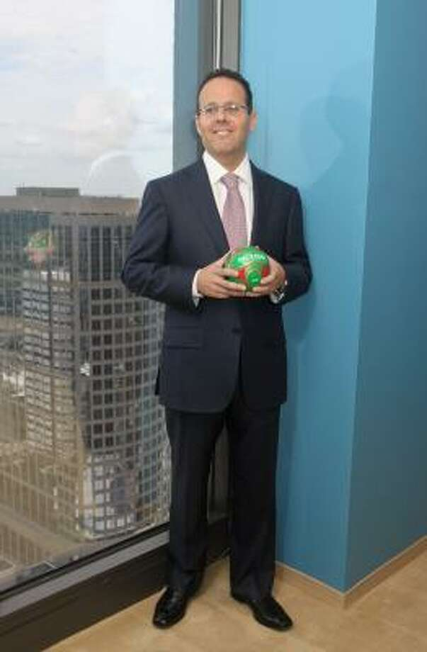 Steve Selsberg, a partner in Mayer Brown's Houston office. Selsberg believes the Houston business market is going to see an influx of cross-border lawsuits as more and more wealthy Mexican businessmen flee the violence in their nation and set up homes for their families in the Houston area. Photo: Gary Fountain:, For The Chronicle