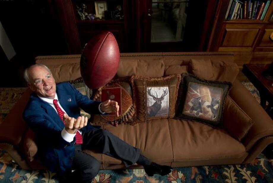 It's with a new hip and renewed confidence that owner Bob McNair sees a deep playoff run in the Texans' very near future. Photo: Johnny Hanson, Chronicle