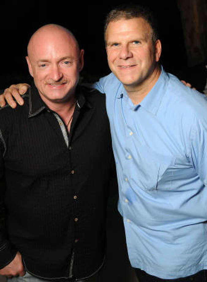 Restaurant tycoon Fertitta goes the extra mile for friends ...