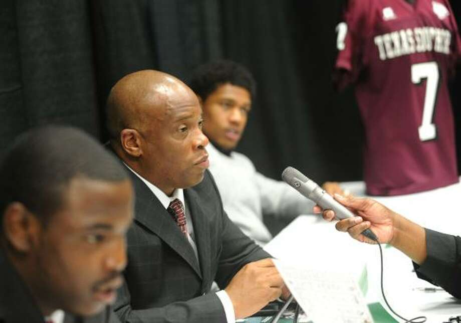 TSU interim football coach Kevin Ramsey, center, spent the past two seasons as the team's defensive coordinator. Photo: Linda Stelter, Associated Press