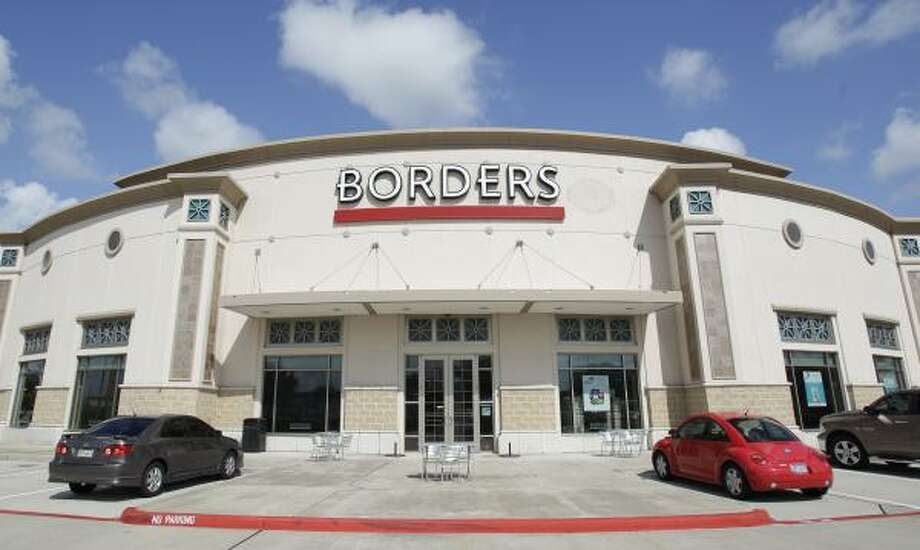 The Borders near the Gulf Freeway at the Baybrook Passage center in Webster is among the chain's six Houston-area locations. Photo: Melissa  Phillip:, Chronicle