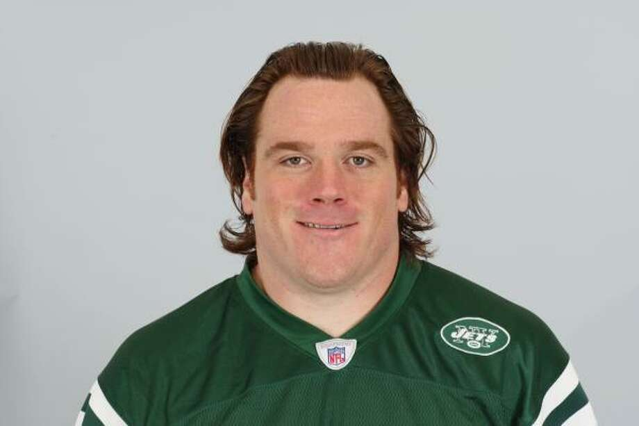 This is a 2009 photo of Alan Faneca from when he played for the New York Jets. Photo: AP