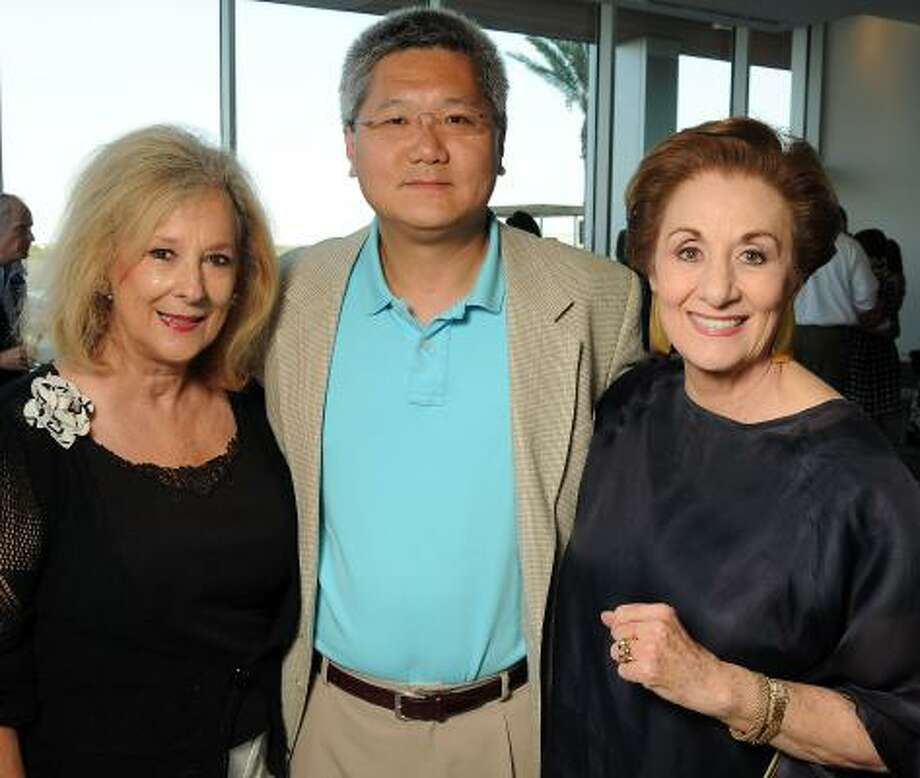 Mary Ann McKeithan, from left, Dr. Brendan Lee and Martha Turner Photo: Dave Rossman, For The Chronicle