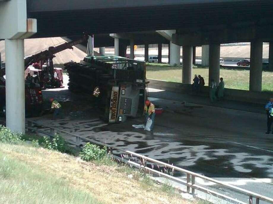 The accident happened 10:30 a.m. Photo: Nick De La Torre, Chronicle