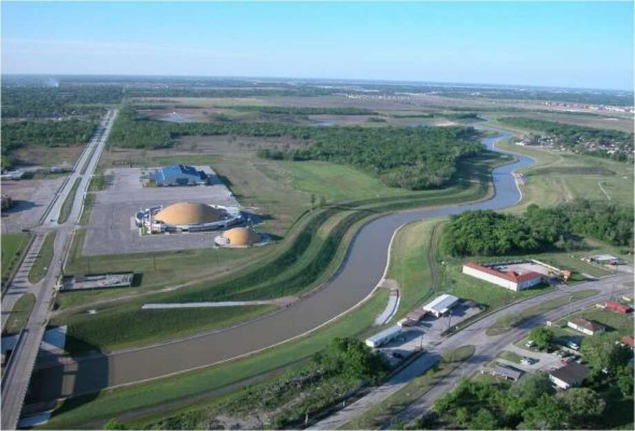 READY FOR THE SEASON: This completed detention basin on Armand Bayou is located near the intersection of Red Bluff Road and Fairmont Parkway.  The basin can hold 57 million gallons of stormwater. Photo: HARRIS COUNTY FLOOD CONTROL DISTRICT