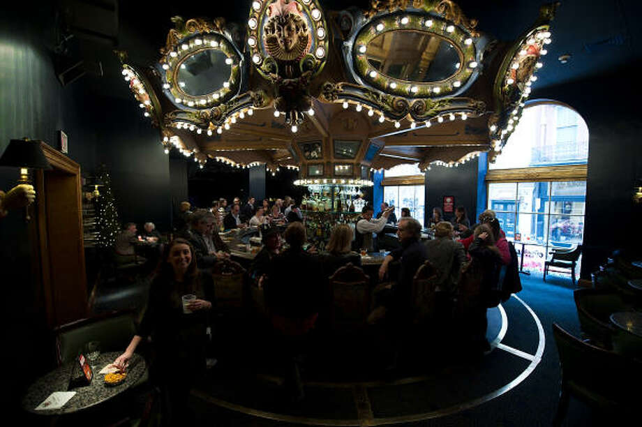 The Carousel Bar at the Hotel Monteleone in New Orleans is packed during Tales of the Cocktail. Photo: TALES OF THE COCKTAIL