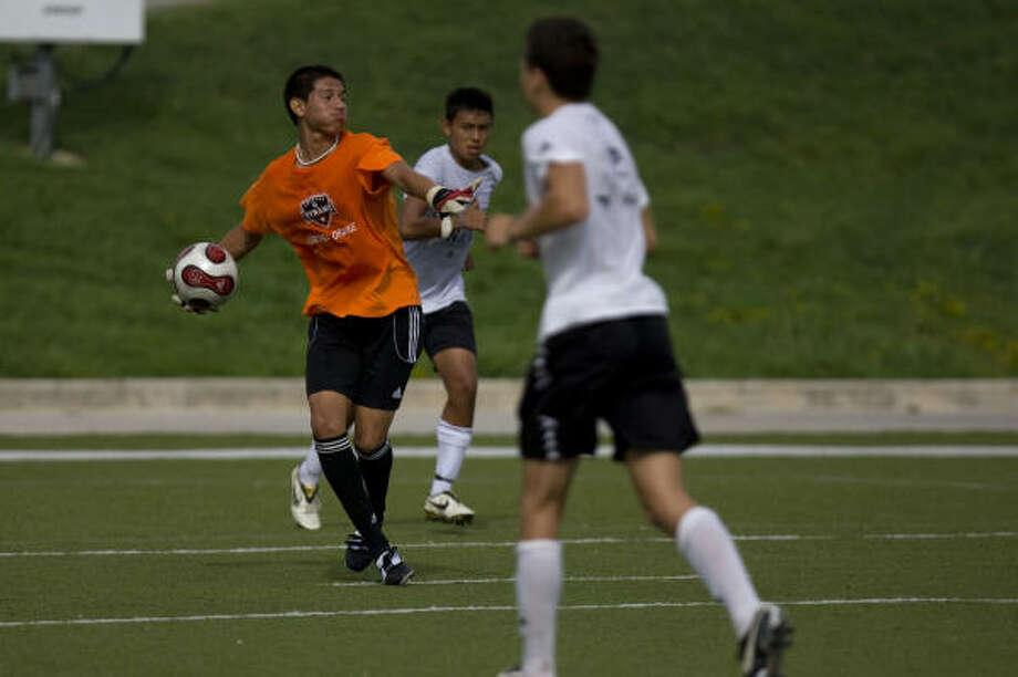Fernando Piña has already made 18 appearances for the U-17 national team. Photo: Johnny Hanson, Chronicle