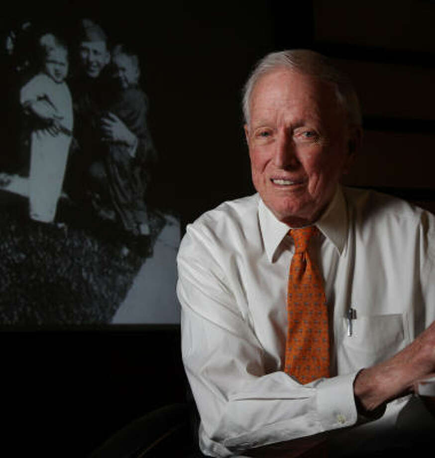 Denton Cooley honoring father with gift to UT dental school