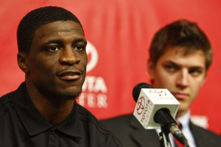 The Rockets acquired point guard Jonny Flynn (left), the No. 6 overall pick in the 2009 draft on Thursday night. Photo: Michael Paulsen, Chronicle