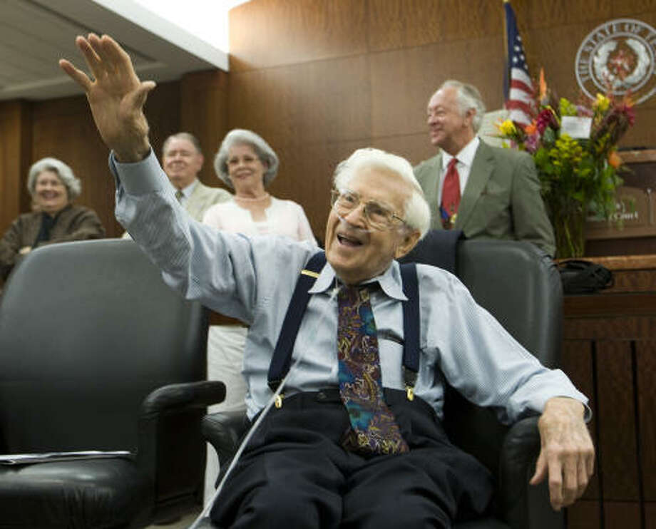"District Judge William ""Wild Bill"" Hatten retired in 1988, then continued to serve as a visiting judge. Photo: Brett Coomer, Chronicle File"