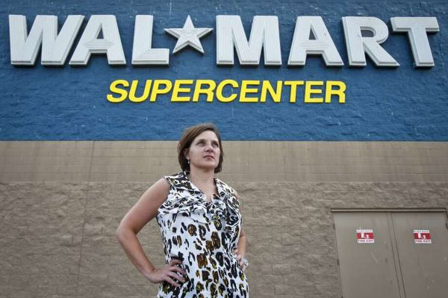 Monique Lawless, an Alvin Walmart shopper who tried to stop an alleged theft Sunday, says she would probably do the same thing again, even though police recommend getting a good description instead. Photo: Michael Paulsen, Houston Chronicle