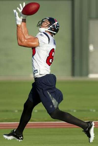 Texans wide receiver Kevin Walter pulls in a catch.