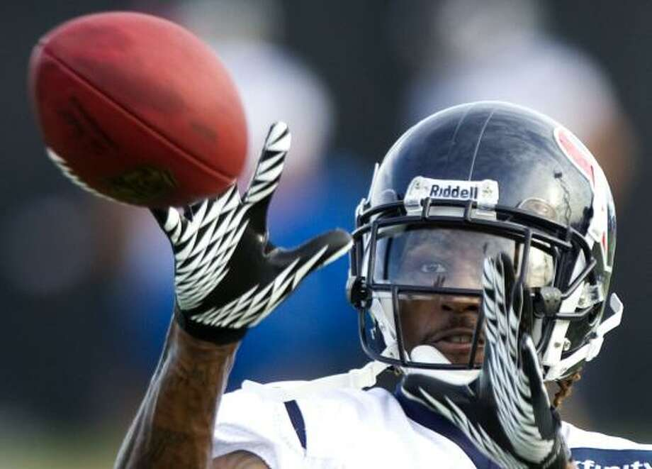 Texans wide receiver Derrick Townsel eyes the ball. Photo: Brett Coomer, Chronicle
