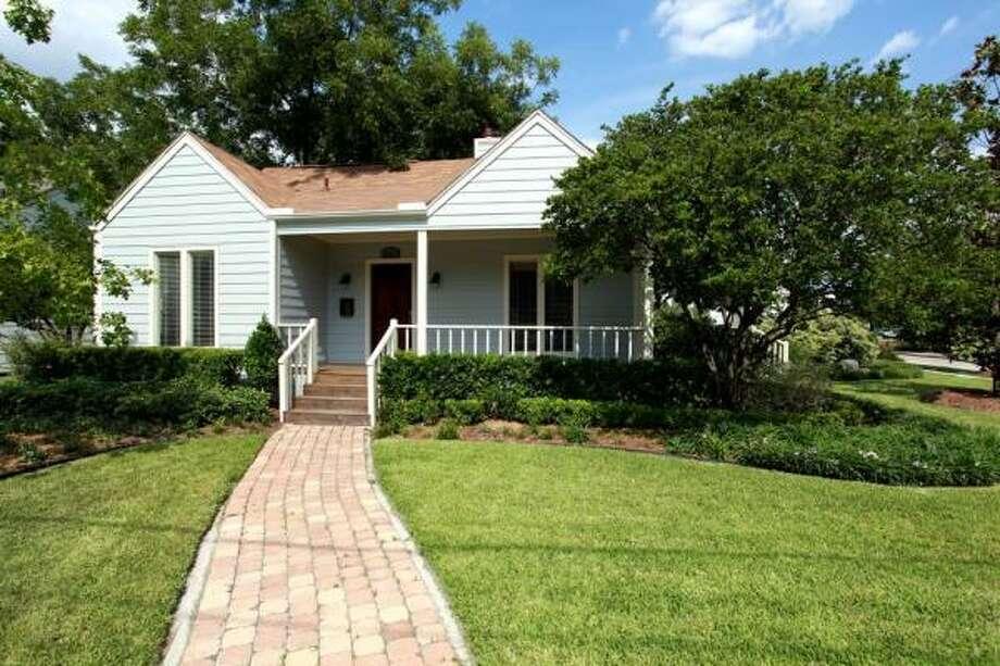 5815 LakeAgent: Kathleen Graf Greenwood King Properties 713-524-0888