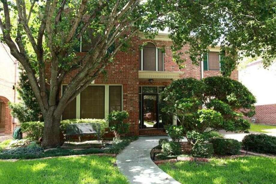 3809 Southwestern Agent: Heidi Dugan Greenwood King Properties 713-524-0888
