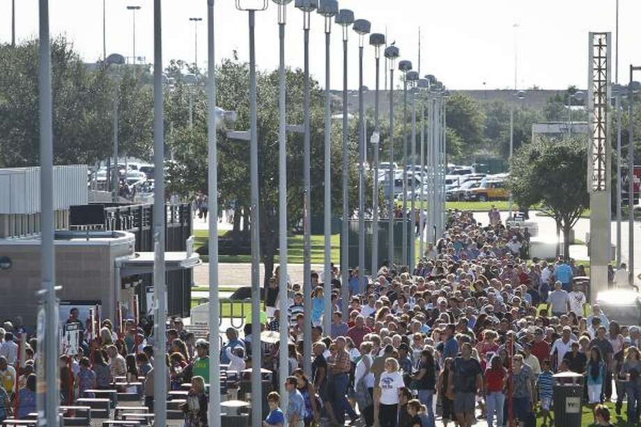 At least 30,000 people turned out at the event, according to organizer and spokesman Eric Bearse. Photo: Michael Paulsen, Houston Chronicle