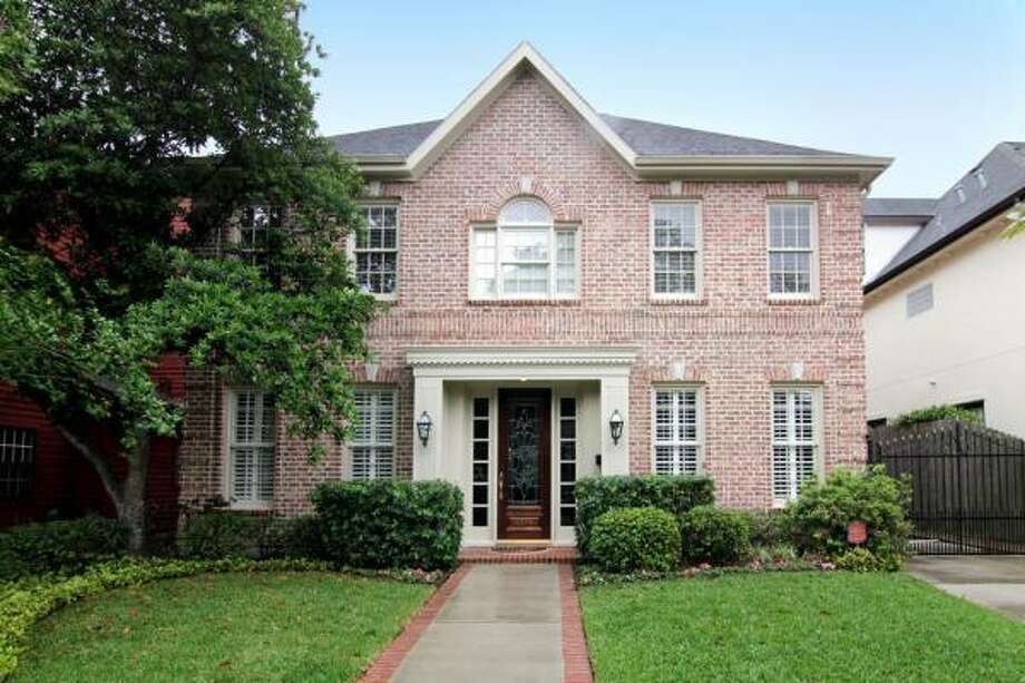 4219 Marquette St., $994,900Coldwell Banker United Agent: Leslie Cauffman (713) 494-1811