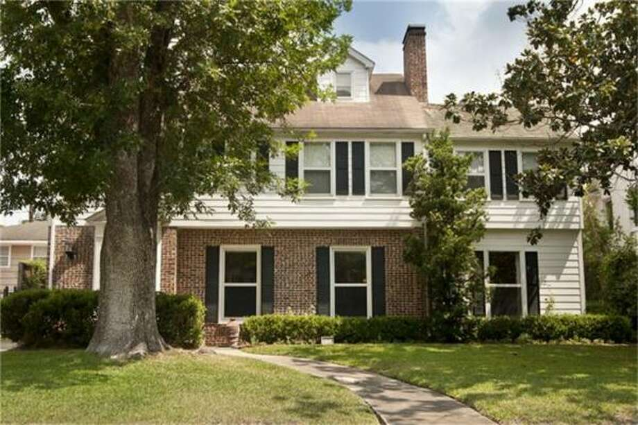 2408 Pelham Agent: Colleen Sherlock Greenwood King Properties 713-524-0888