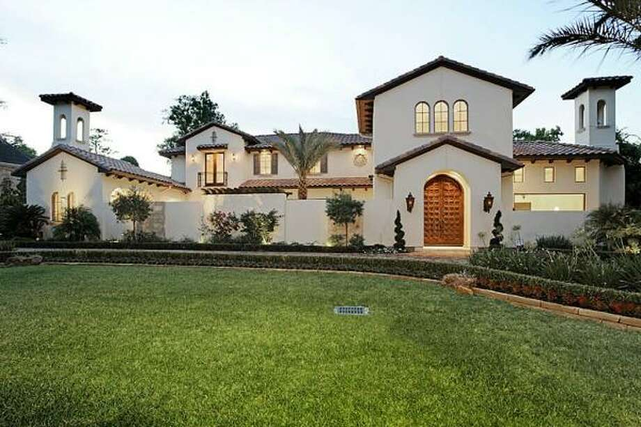4 Voss Park Agent: Sharon Ballas Greenwood King Properties 713-784-0888