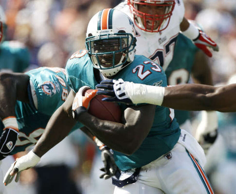 Ronnie Brown, running backAs part of a committee in Miami, Brown (6-0, 230) saw his statistics suffer. Potential suitors might be cautious — he's 29 and has played all 16 games only twice in a six-year career. Still, he is one of the best backs (career 4.3 yards per carry) in a shallow pool. Photo: Winslow Townson, AP