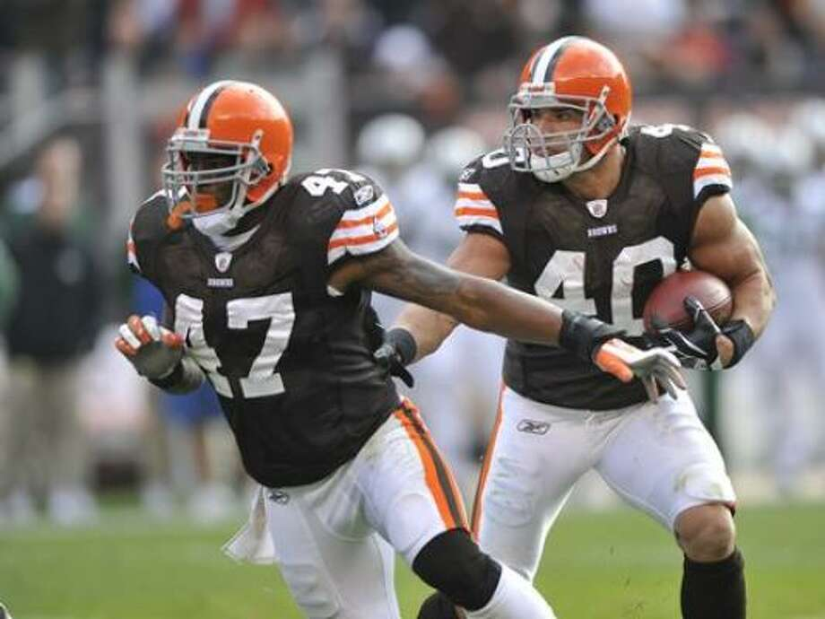 FB Lawrence Vickers, Browns If the Texans lose Vonta Leach, they'll sign a veteran to compete with James Casey for the starting job. Vickers is a powerful lead blocker. Photo: David Richard, AP