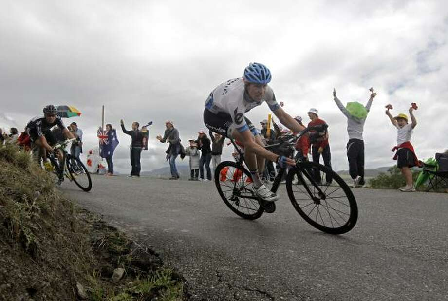 Ryder Hesjedal of Canada, right, and Edvald Boasson Hagen of Norway, left, speed down Col de Manse pass near Gap. Photo: Laurent Cipriani, Associated Press