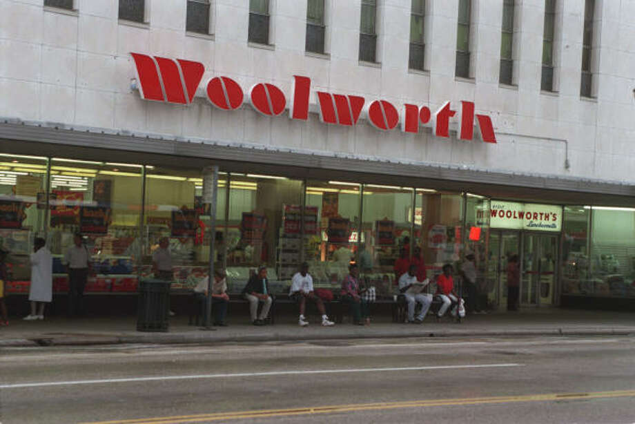 Woolworths (1879-1997)  The classic five-and-dime store was in business for more than 100 years before the last of the U.S. stores closed, and Britain shut down its locations in 2008. Photo: Ben DeSoto, Houston Chronicle