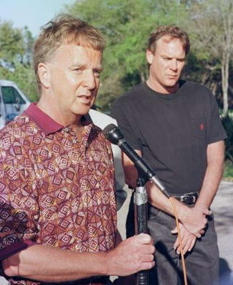 It started at Kinko's 1998: The dispute that led to Texas basketball coach Tom Penders' departure included a hastily called press conference on his front lawn, players taking sides against each other and repeated references to federal privacy laws. In the end, Penders assistant Eddie Oran (right) took the fall for faxing player Luke Axtell's grade report to a radio station from a Westlake Kinko's. Photo: HARRY CABLUCK, AP