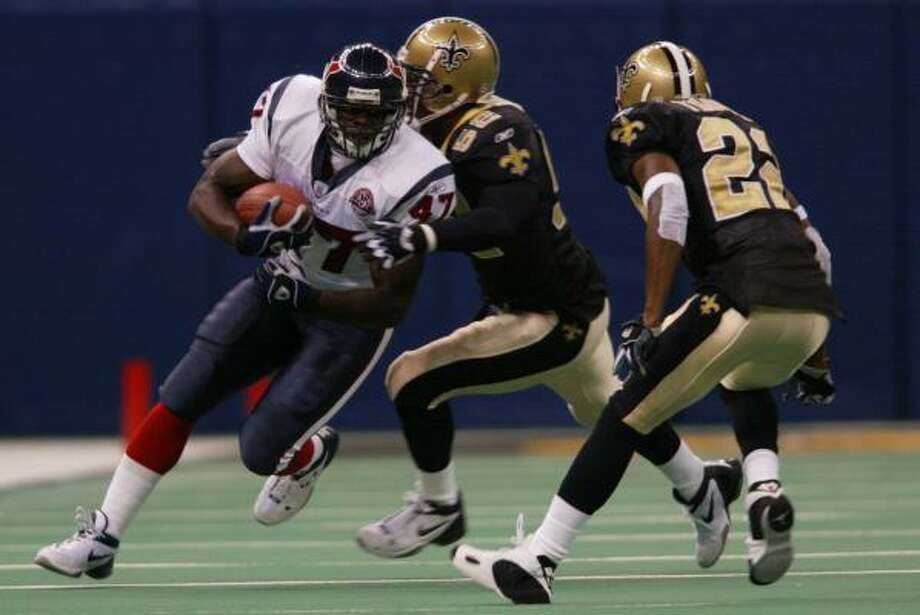 2002: Jarrod BaxterJonathan Wells was the leading rusher with 529 yards for an offense that averaged 84.2. Photo: Kevin Fujii, Chronicle File