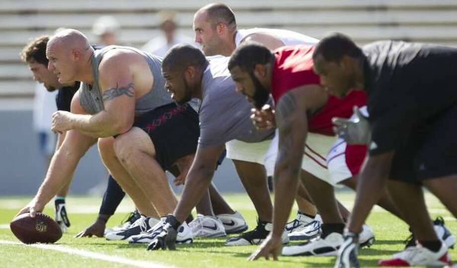 Texans center Chris Myers lines up on the ball. Photo: Brett Coomer, Chronicle
