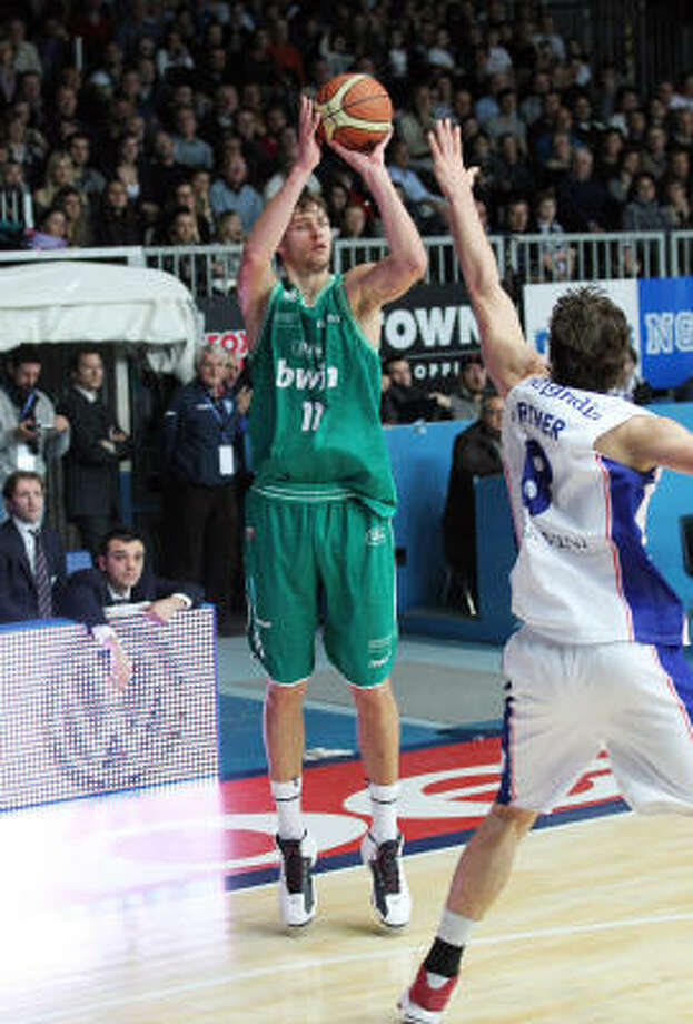 Motiejunas was named the MVP of the 2008 Under-18 Championship after averaging 18.2 points and 10.2 rebounds. Photo: Giuseppe Cottini, Associated Press