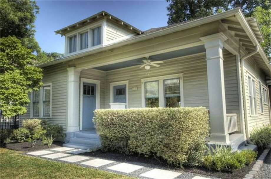 121 Payne St, $310,000Greenwood King Properties Agent: Soo Kim 713-864-0888 Main 713-864-0888 Direct
