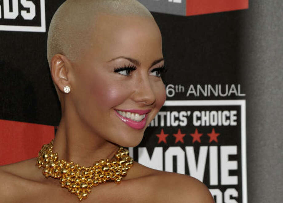 Model Amber Rose looks stunning in bald. Photo: Dan Steinberg, AP