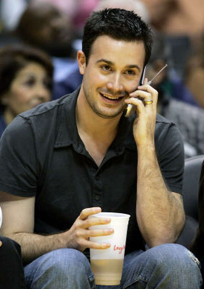 Freddie Prinze Jr., who is married to Geller, also votes Republican. Photo: KEVORK DJANSEZIAN, AP