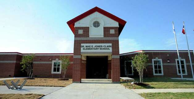BISD celebrated the Grand Opening and Dedication of the new Mae Jones-Clark Elementary in Beaumont, Thursday. Tammy McKinley/The Enterprise Photo: TAMMY MCKINLEY