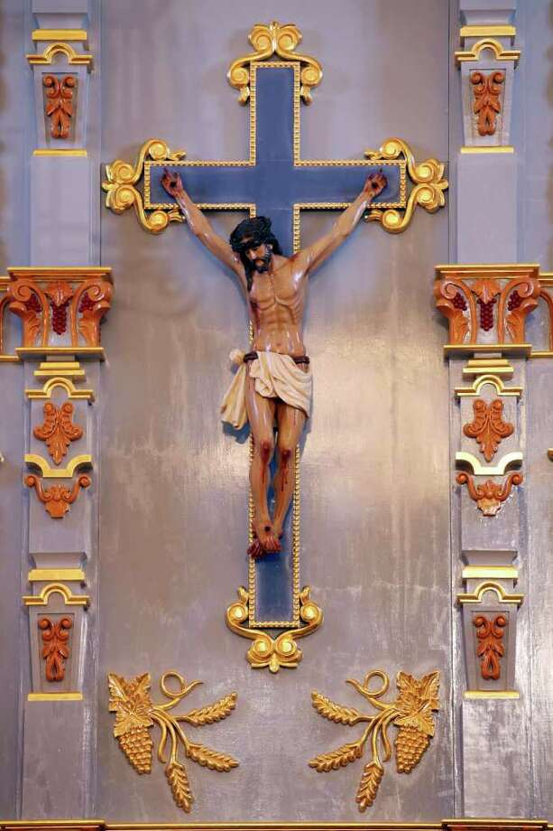 Detail of the retablo at Mission San Jose Wednesday Aug. 16, 2011. Photo: EDWARD A. ORNELAS, SAN ANTONIO EXPRESS-NEWS / © SAN ANTONIO EXPRESS-NEWS (NFS)