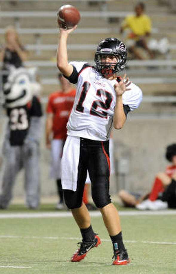 Langham Creek's Connor Feist passed for 2,673 yards and 29 touchdowns last season. Photo: Thomas Nguyen, For The Chronicle