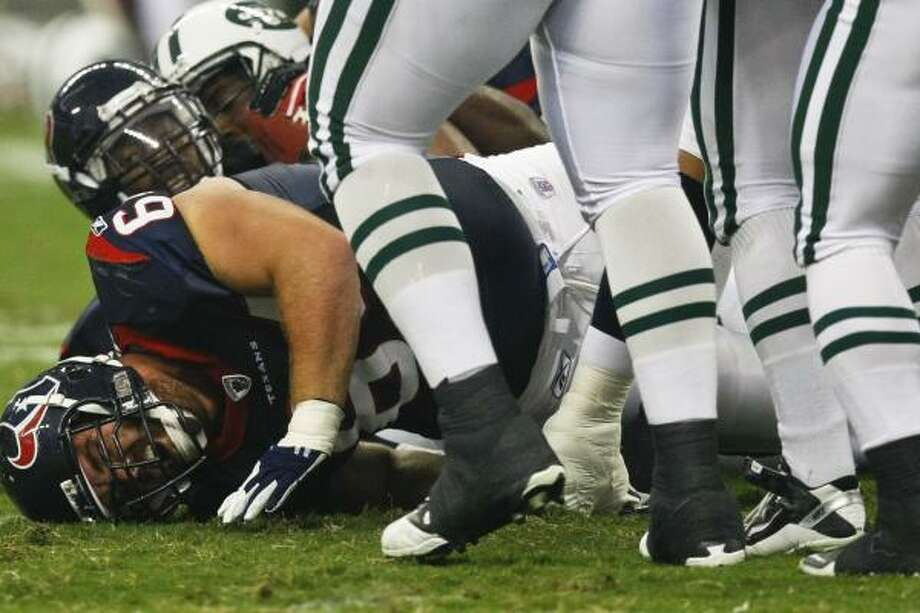 Texans guard Kasey Studdard suffered a serious ankle injury that is still being evaluated. Photo: Michael Paulsen, Chronicle