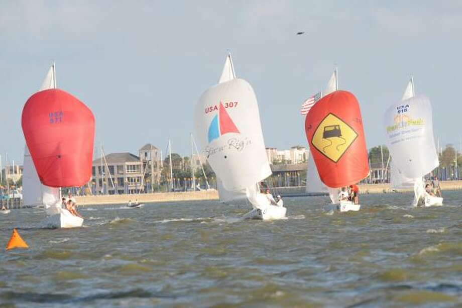 ON THE WATER FRONT: Clear skies and a stiff wind made for excellent racing conditions on Clear Lake. Photo: Ronnie Montgomery, For The Chronicle