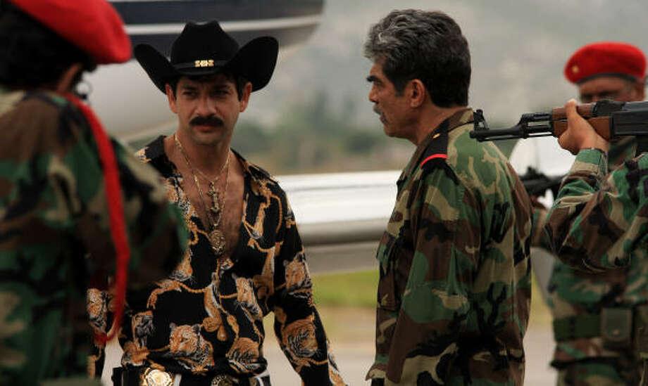 El actor Miguel Rodarte, en una escena de la película cuando llega a Turquía para comprar armas para completar su misión de salvar a su hermano menor perdido en la guerra de Irak. Photo: Pantelion Films