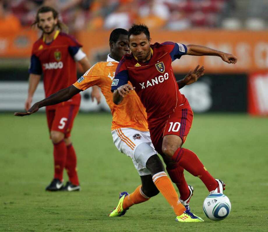 The Dynamo acquired 32-year old midfielder Arturo Alvarez in a trade on Sunday. Alvarez is a Houston native and is excited for the opportunity to play for his hometown team. Photo: Eric Christian Smith, Getty / 2011 Getty Images