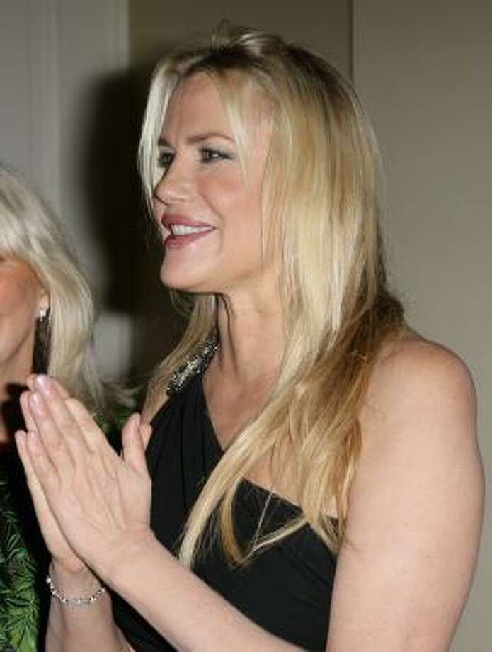 "Daryl Hannah is missing part of a finger because ""(she) got (her) finger stuck in the pulley of a well at (her) grandmother's house when (she) was three,"" she explained to The Sunday Times of South Africa. Photo: Andreas Rentz, Getty Images"