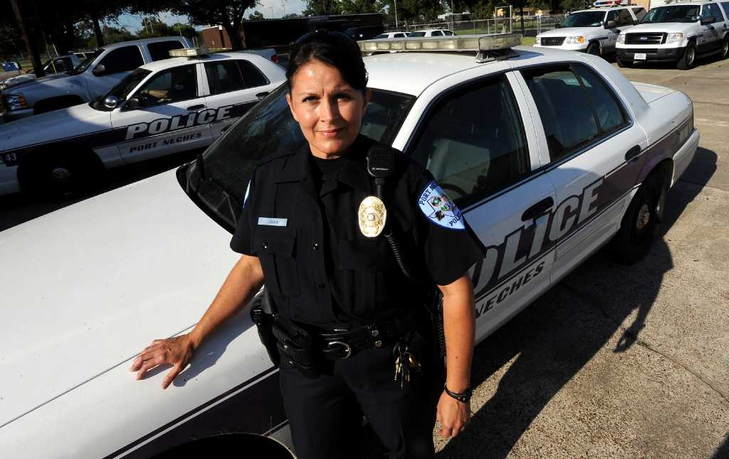 groves woman becomes port neches u0026 39  first female police officer