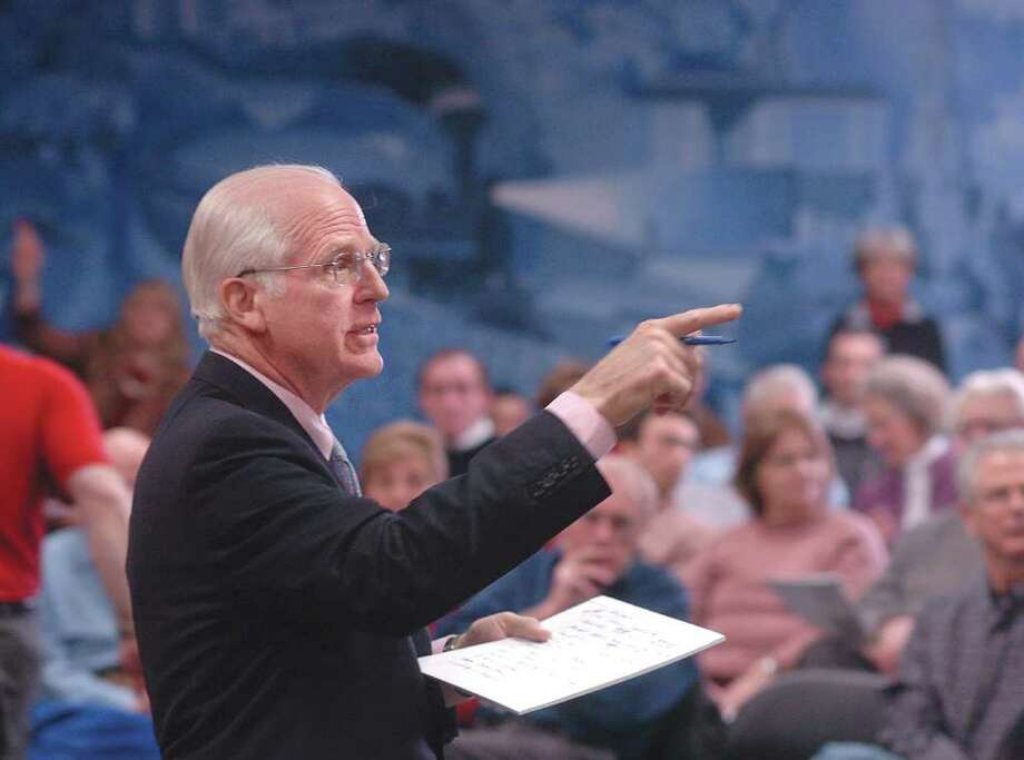 FILE 2006 - Christopher Shays answers questions during a town hall meeting in Greenwich, Conn. Photo: File Photo / Stamford Advocate File Photo