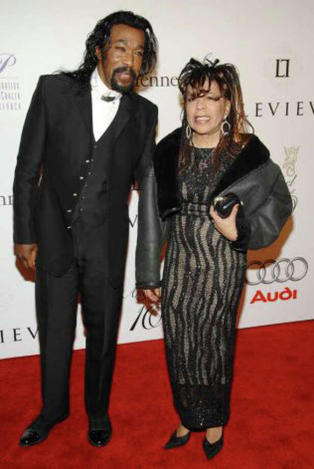 FILE - In this Oct. 29, 2007 file photo, Singers Nick Ashford and Valerie Simpson attend the 2007 G&P Foundation 10th Annual Angel Ball in New York. Ashford's longtime friend and former publicist told The Associated Press that Ashford died Monday, Aug. 22, 2011 in a New York City hospital. He had been suffering from throat cancer and had undergone radiation treatment. Photo: Evan Agostini / AP Photo: AP File Photo