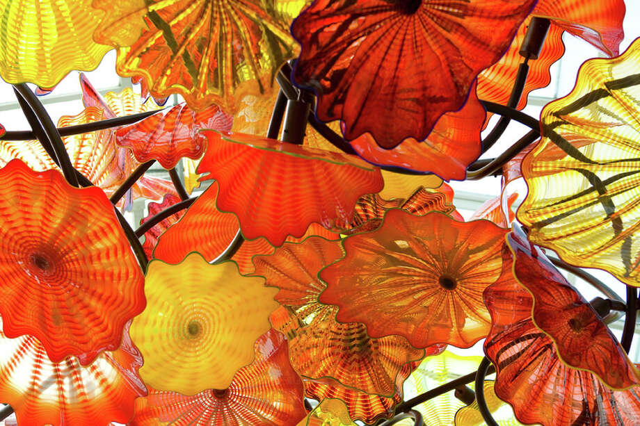 Chihuly glass art (photo courtesy Chihuly Studio)