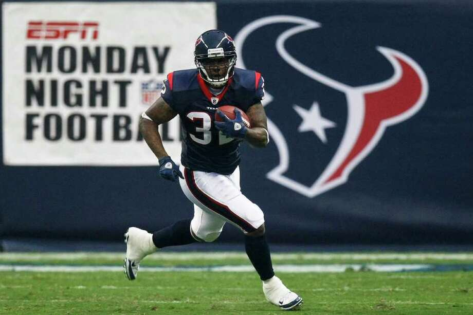 Coming off the bench behind Arian Foster last season, Derrick Ward averaged 6.3 yards a  carry and scored a touchdown every 12 carries - the best ratio in the  league. Photo: Michael Paulsen, Houston Chronicle / © 2011 Houston Chronicle